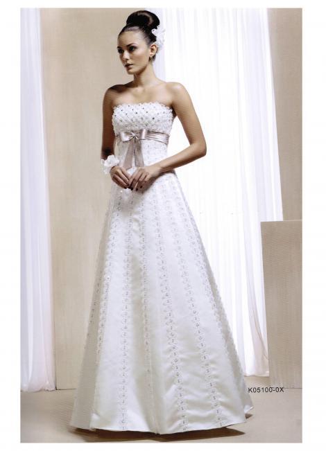e274dd7cd • Just Novias-Alquiler vestidos de novia • Madrid •  http   www.justnovias.com